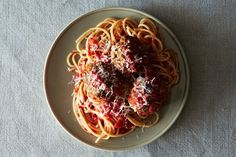 Rao's Meatballs - ultra-tender meatballs with a surprising magic ingredient: water, and lots of it. Meatball Recipes, Beef Recipes, Cooking Recipes, Food52 Recipes, Beef Meals, Sausage Recipes, Beef Dishes, Gastronomia, Pastries