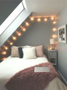 The incredibly ignored answer for fun and cool teenage ideas Teen Room Decor Ideas Answer Cool Fun ideasanswer Incredibly Teenage Room Ideas Bedroom, Small Room Bedroom, Bedroom Decor, Cozy Bedroom, Bed Room, Small Rooms, Dorm Room, Bedroom Inspo, Couple Bedroom