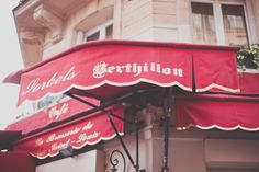 Berthillon ice creams on the île Saint-Louis: this is something you MUST try while in Paris! Ile Saint Louis, St Louis, Bastille, Ice, Paris, Organising Tips, Ride Or Die, Sweet Treats, Home