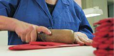 #gloves #gloves1899 #leather #craftsmen #tradition #style #fashion #moda #naples #napoli #italy #italia #madeinitaly #top #class #topclass #couture #hautecouture #gants #history #artigiani #amazing #followme #art #italianstyle #red