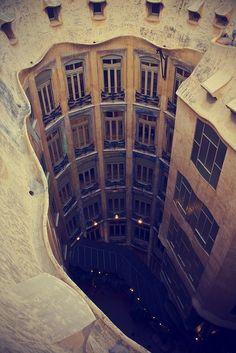 Casa Mil (La Pedrera). Barcelona - Spain vanhercar14