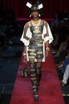 Moschino Spring 2017 Ready-to-Wear Fashion Show - Mayowa Nicholas