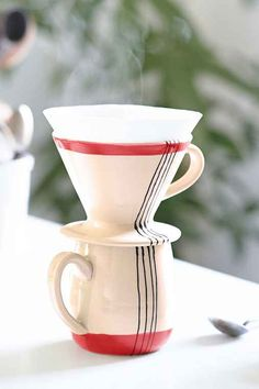pour over coffee cup. I prefer the yellow one.