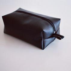 Trousse / pochette en simili-cuir