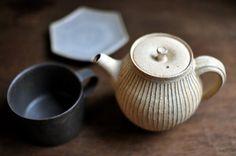 By Susumu Suzuki, Kobiki wear, pot.