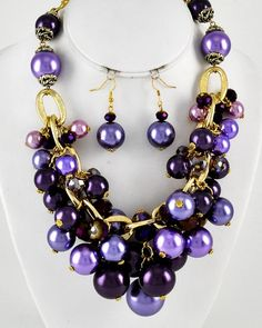 Gold Tone / Purple Synthetic Pearl & Glass Crystal / Lead Compliant / Cluster Style / Necklace & Fish Hook Earring Set