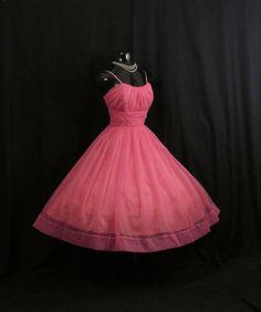 Vintage 1950's 50s Fuschia Hot Pink Ruched di VintageVortex