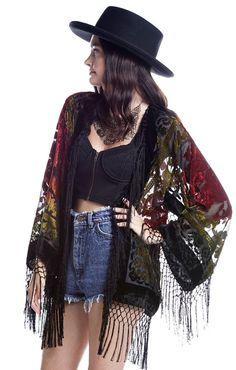 Gypsy Dreaming Floral Brocade Velvet Burnout Fringe Kimono Handmade vintage inspired to die for kimono Absolutely stunning floral brocade motif Gypsy Style, Boho Gypsy, Bohemian Style, Hippie Boho, Boho Chic, My Style, Hippie Style, Witch Fashion, Dark Fashion
