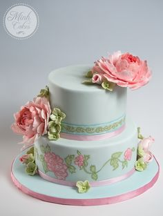 The peony cake. Elegant, delicate with an Oriental touch.