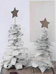 DIY: xmas decoration by kristine DIY: Christmas decoration by Kristine Noel Christmas, Winter Christmas, All Things Christmas, Christmas Ornaments, Origami Christmas, French Christmas, Christmas Paper, Christmas Projects, Holiday Crafts