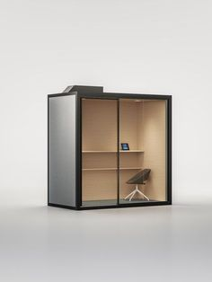 Find out all of the information about the Fantoni product: privacy office space ACOUSTIC ROOM. Office Space Design, Office Interior Design, Office Interiors, Office Designs, Home Studio Setup, Office Pods, Backyard Office, Crate Shelves, Co Working