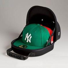 New Era 2 Cap Carrier Storage Best Carry On Backpack, Men's Backpack, Baseball Hat Racks, Baseball Cap, New Era Snapback, Snapback Hats, Diy Hat Rack, Architecture Design, Dope Hats