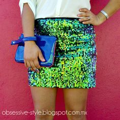 #Fashion #StreetStyle A look with sequin skirt and a casual shirt. // Visit my blog: http:obsessive-style.blogspot.mx