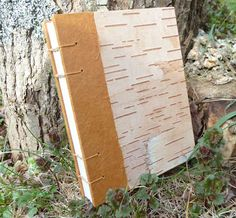 Birch Bark Handbound Journal: I like the softer colors of this birch bark. Green would be a nice accent color, too. Birch Bark Crafts, Wood Crafts, Paper Crafts, Handmade Journals, Handmade Books, Handmade Rugs, Handmade Crafts, Bookbinding Tutorial, Nature Crafts