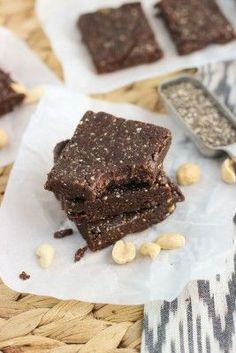 Five-ingredient Chocolate Peanut Butter Chia Bars are an easy, no-bake recipe for healthy snacking! These bars are vegan and naturally sweetened.