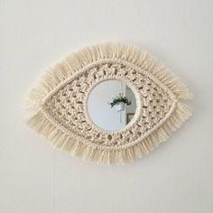 Diy Macrame Wall Hanging, Macrame Mirror, Macrame Owl, Crochet Poncho Patterns, Macrame Patterns, Diy Cadeau Noel, Bohemian Art, Diy Scarf, Macrame Design
