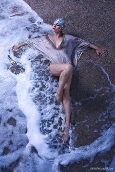 """""""Poséidon"""". Modèle : Wanahea. Stylisme : Hercvles di Milo. Mua et coiffure : Guillaume Roche. Assistante : Tao. Photo : Nath-Sakura."""