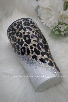Diy Tumblers, Glitter Tumblers, Glitter Cups, Glitter Paint, Custom Tumblers, Glitter Projects, Crafty Projects, Yeti Cup, Loose Glitter