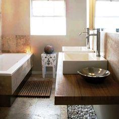 Elegante baño en tonos café
