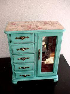 Cute Tiff Blue Jewelry box //- just paint my old brown jewelry box