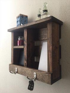 DIY #Pallet #Entryway #Organizer | Pallet Furniture DIY