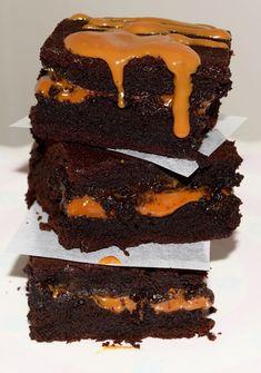 Negresa cu sos caramel Unt, Caramel, Desserts, Food, Sticky Toffee, Tailgate Desserts, Candy, Deserts, Essen
