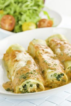 Cannelloni courgettes et chèvre Plus You are in the right place about Vegetables chart Here we offer you the most beautiful pictures about the low carb Vegetables you are looking for. When you examine the Cannelloni courgettes et chèvre . Veggie Recipes, Vegetarian Recipes, Cooking Recipes, Healthy Recipes, Salty Foods, Italian Recipes, Food Inspiration, Love Food, Food Porn