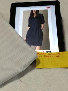 Mod 27: vestido azul con tela blanca con rayas. 2 mts. (Manga 3/4, cuello mao, botones adornó con cierre lateral)