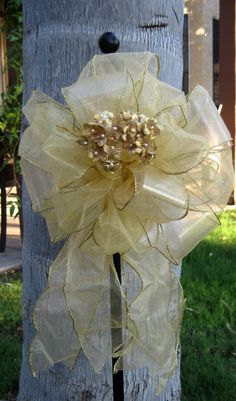 GLITTERED+PEW+BOWS+for+Wedding+Aisle+Decorations+by+OHONEFINEDAY,+$84.00