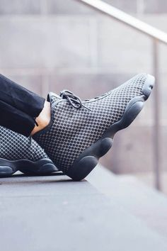 NIKE Air Jordan Horizon in Wolf Grey