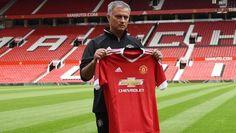José Mourinho wegen Schiri-Beleidigung angeklagt (Bild: APA/AFP/OLI SCARFF)
