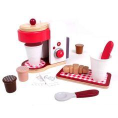 Pisani Giocttoli - Eurekakids Vigevano  Caffetteria Espresso - Eurekakids by Janod  Stupenda macchina per  espresso in legno  con diversi accessori. Colori atossici. Età: dai 3 anni.   Include:  - Caffettiera con possibilità di fare un caffè o due.  - 3 Capsule di caffè.  - 2 bicchieri.  - 2 cucchiai.  - 2 zollette di zucchero.  - 1 vassoio.  - 1 croissant per la colazione.