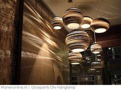 De Oliv hanglamp van Graypants is een bijzondere lamp met een unieke vorm. De lamp is een echte sfeermaker in huis