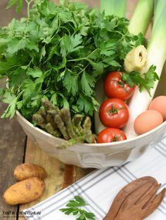 One Ei zubereitet ist das Rezept vegan!  Spargel-Artischocken-Salat mit Kapern-Ei-Dressing