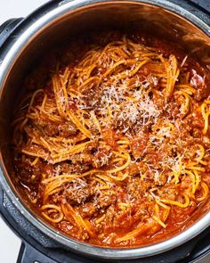 The Instant Pot is a pasta-lover's secret weapon. The pressure cooking method means pasta that silkt and flavorful. Here are 10 Instant Pot pasta recipes, including classic spaghetti with meat sauce, pasta primavera, and mac and cheese. Instant Pot Spaghetti Recipe, Best Instant Pot Recipe, Instant Pot Dinner Recipes, Spaghetti Recipes, Pasta Recipes, Best Spaghetti Recipe, Recipes With Marinara Sauce, Pasta Sauce Instant Pot, Crock Pot Spaghetti
