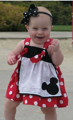 Ooh if I had a little girl! Such a cute little Minnie dress! I ♥ etsy http://www.etsy.com/shop/SewLetsBegin?ref=seller_info