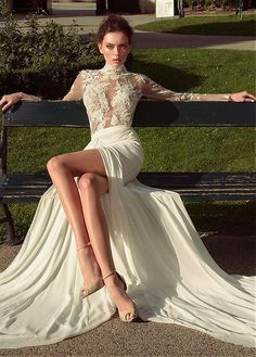 Fabulous Chiffon High Collar Neckline See-through Sheath Wedding Dresses With Lace Appliques