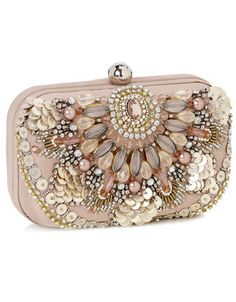 Celebrities who wear, use, or own Accessorize Amazing Phoebe Embroidered Hardcase Clutch. Also discover the movies, TV shows, and events associated with Accessorize Amazing Phoebe Embroidered Hardcase Clutch. Beaded Purses, Beaded Bags, Bridal Clutch, Brown Purses, Beautiful Bags, Evening Bags, Evening Clutches, Clutch Purse, Purses And Handbags