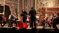 Nuova Orchestra Scarlatti, Tango. Direttore Filippo Arlìa. Bandoneon Cesare Chiacchiaretta. Foto di Klaus Bunker.