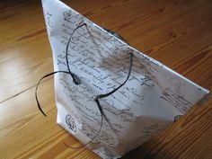 Lav en gavepose ud af gavepapir Kit, Decor, Lush, Decoration, Decorating, Deco