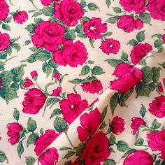 Liberty print cotton fabric from the Carline range. Printed onto 100% cotton, this fabric is ideal for dressmaking and light soft furnishings. 150cm wide and available by the metre, half metre and fat quarter. | eBay!