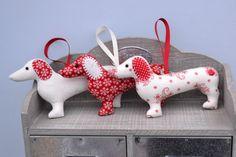 Dachshund sausage dog Christmas decoration by farrellandholmes, £9.00
