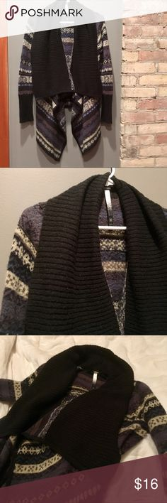 Kenzie printed waterfall cardigan sweater Very cozy Kenzie waterfall cardigan perfect for cold winter days. Size small; fits true to size. Used, but has plenty of wear left in it! kenzie Sweaters Cardigans