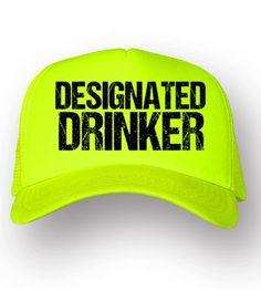 Diseño Designated Drinker | Gorras personalizadas en color neón by Fokus