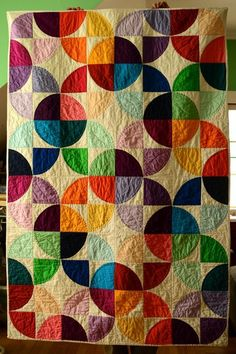 Modern Drunkards Path Quilt pattern $8.50 on Craftsy at http://www.craftsy.com/pattern/quilting/home-decor/modern-drunkards-path-quilt/62718