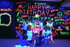 Neon Glow Birthday Party cover the wallls in black paper have people wright stuff on it Neon Birthday, Soccer Birthday, 13th Birthday Parties, 14th Birthday, Slumber Parties, Birthday Ideas, Teen Parties, Birthday Bash, Sleepover