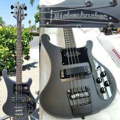 Rickenbacker 4-String Bass