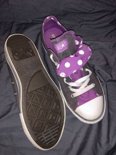 1447e908e38a Converse Girls Size 5 Have A Few Scuffs But Look Great. Only Worn A Few