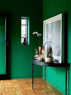 Hall d'entrée : 50 idées déco en image pour vous inspirer - Ctendance.fr Cheap Plants, Ideal Fit, Plant Decor, Furniture Decor, Inspirer, Entryway Tables, Inspiration, Interior Ideas, Home Decor
