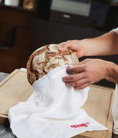 In einem Leinensack bleibt Brot und Gebäck länger frisch. Küchen Design, Contemporary Kitchens, Fresh, Bread